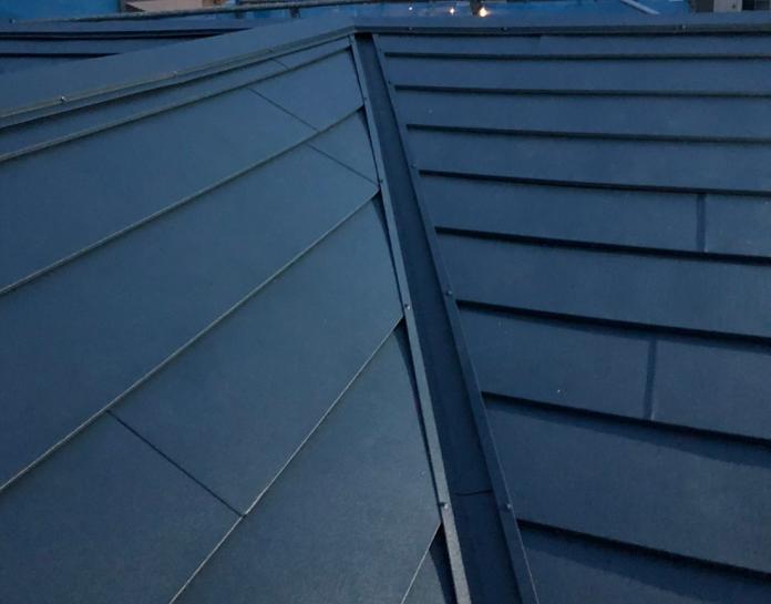 パミール 姻族屋根にカバー工法 完工