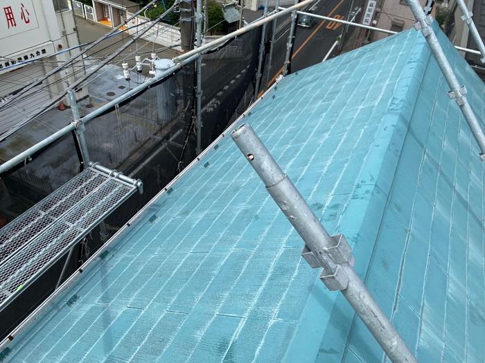 斜壁のコロニアル屋根施工前写真