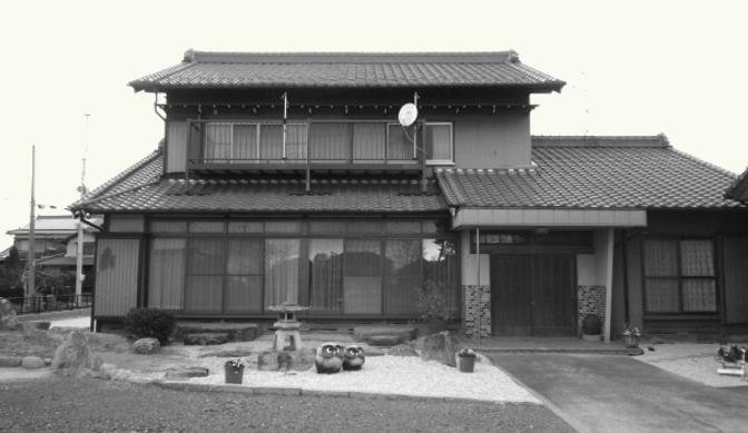 草加市で瓦屋根をリフォーム~葺き替え工事を行うお家が増えています!!~