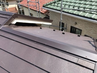 大屋根葺き替え、ガルバリウム鋼板、ニチハ横暖ルーフ