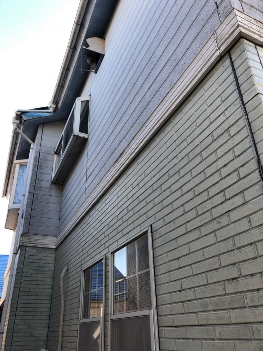 金属サイディングカバー施工前の外壁サイデイング