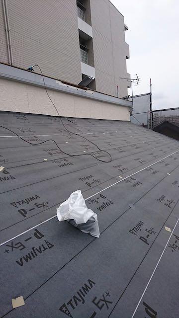 ルーフィングを敷いた屋根