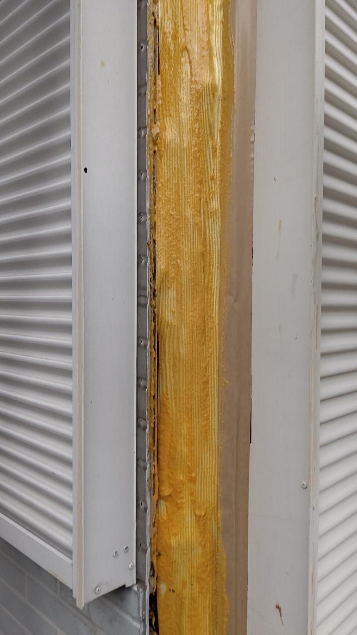 通柱をアラミド繊維で補強