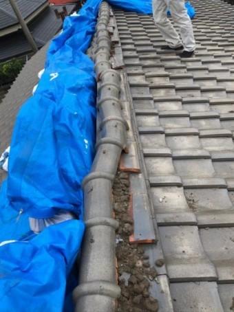 台風15号で瓦屋根の大棟部分の破損