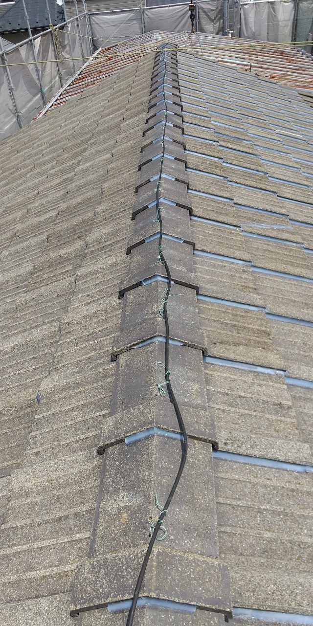 セメント瓦、ラバーロック施工、屋根修繕