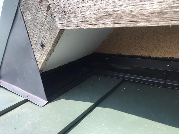 雨押え板金施工