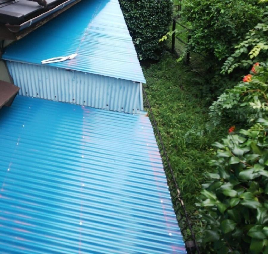 波板板金、台風被害