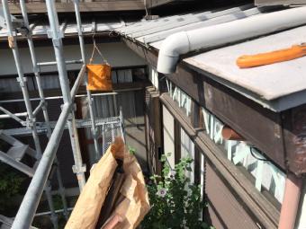 既存の雨樋を撤去