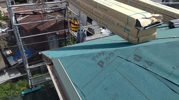 屋根工事の下葺